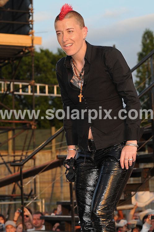 **ALL ROUND PICTURES FROM SOLARPIX.COM**.**WORLDWIDE SYNDICATION RIGHTS**.Launch of 'Big Brother 10' TV Programme, Elstree Studios, London, UK. 4 June 2009. .This pic: Lisa Wallace..JOB REF: 9161 SSD     DATE: 04_06_2009.**MUST CREDIT SOLARPIX.COM OR DOUBLE FEE WILL BE CHARGED**.**ONLINE USAGE FEE GBP 50.00 PER PICTURE - NOTIFICATION OF USAGE TO PHOTO @ SOLARPIX.COM**.**CALL SOLARPIX : +34 952 811 768 or LOW RATE FROM UK 0844 617 7637**