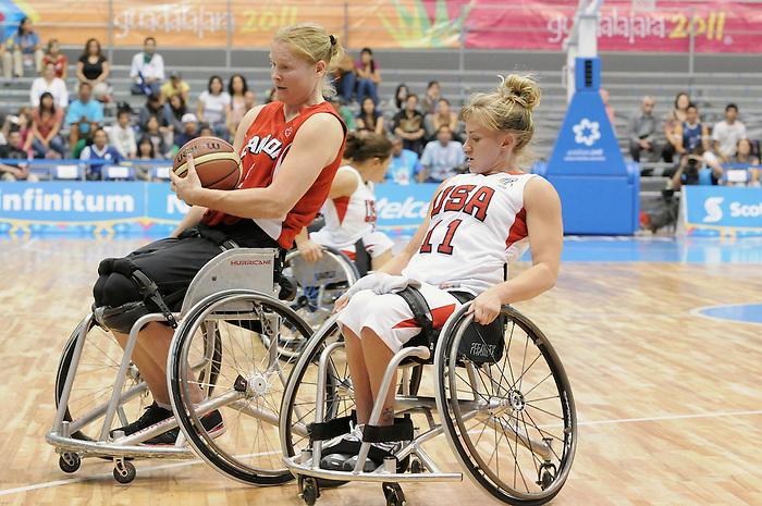Janet McLachlan, Guadalajara 2011 - Wheelchair Basketball // Basketball en fauteuil roulant.<br /> Team Canada takes on Team USA in the Gold Medal Game // Équipe Canada affronte Équipe États-Unis dans le match pour la médaille d'or. 11/18/2011.