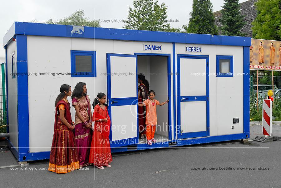 GERMANY Hamm , Hindu festival at Hindu temple, toilet container / DEUTSCHLAND, Hamm, tamilisches Hindufestival, Toiletten Container