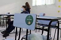 Campinas (SP), 19/04/2021 - Educacao - A partir desta segunda-feira (19), as escolas estaduais e privadas de Campinas (SP), retoma as atividades presenciais na cidade. Ja os alunos da rede municipal - ensino fundamental - retornam uma semana depois, a partir do dia 26 de abril. Desde ontem, a cidade e o estado de Sao Paulo estao sob a fase de transicao do Plano Sao Paulo de flexibilizacao. (Foto: Denny Cesare/Codigo 19/Codigo 19)