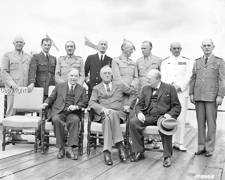 """Group photo of Allied government and military leaders at the """"Quadrant"""" Conference, Quebec, 1943"""