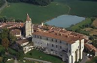 Europe/France/Midi-Pyrénées/32/Gers/Lavardens: vue aérienne du village et de la Bastide - Château du XVII ème siècle