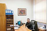 Ivan Juričević, Sekretariat / Europaschule Schulzentrum des heiligen Josef in Sarajewo. Hier werden Schüler aller Religionen und Ethnien gemeinsam unterrichtet.