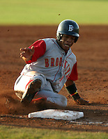 July 27, 2005:  Yury Santana of the Brooklyn Cyclones during a game at Dwyer Stadium in Batavia, NY.  Brooklyn is the NY-Penn League Class-A affiliate of the New York Mets.  Photo by:  Mike Janes/Four Seam Images