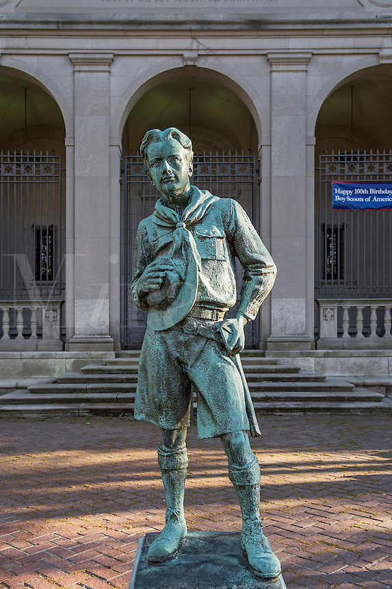 "The ""Ideal Scout"", sculpture by R. Tait McKenzie located at the Bruce S. Marks Scout Resource Center, Philadelphia, Pennsylvania, USA"