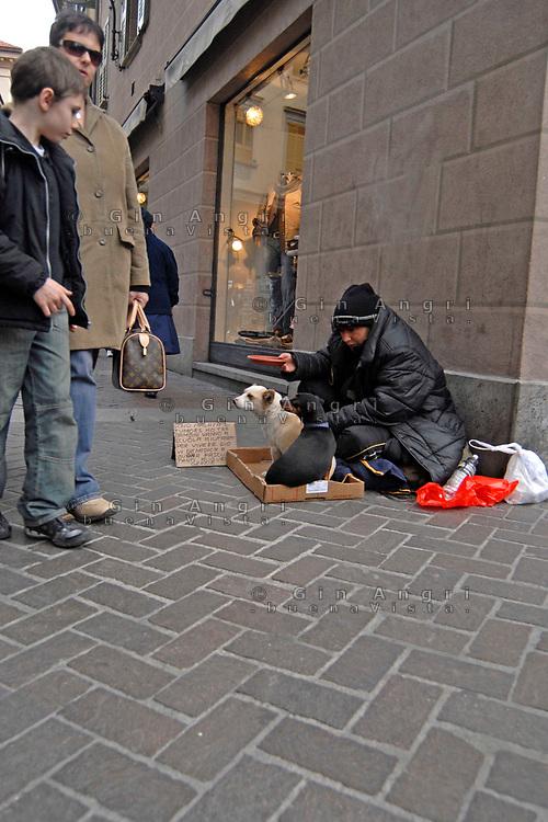 povertà, sempre più numerosi i poveri invisibili nelle nostre città