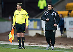 St Johnstone v Inverness Caley Thistle....02.01.11  .Derek McInnes encourages his players.Picture by Graeme Hart..Copyright Perthshire Picture Agency.Tel: 01738 623350  Mobile: 07990 594431