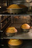 Europe/France/73/Savoie/Val d'Isère:  Patrick Chevallot, MOF pâtissier prépare son Biscuit  de Savoie -La Cuisson