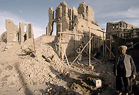 Business owners come back to rebuild there shop in what was the High Street of Kabul..The fight (1992 to 1995) between warlords Ahmad Shah Massoud of the Jamiat-e Islami and Gulbuddin Hekmatyar from the Hezb-e Islami, destroy one third of the Afghan capital.