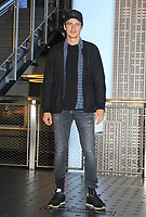 NEW YORK, NY - OCTOBER 8: Hayden Christensen visits the Empire State Building to celebrate New York Comic Con 2021 in New York City on October 8, 2021. <br /> CAP/MPI/RTNEKP<br /> ©EKP/RTNMPI/Capital Pictures