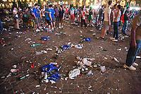 01/07/2012 Finale dei campionati europei di calcio 2012  Italia - Spagna: delusione dei tifosi in piazza a Torino. Rifiuti lasciati in terra dopo la visione della partita.
