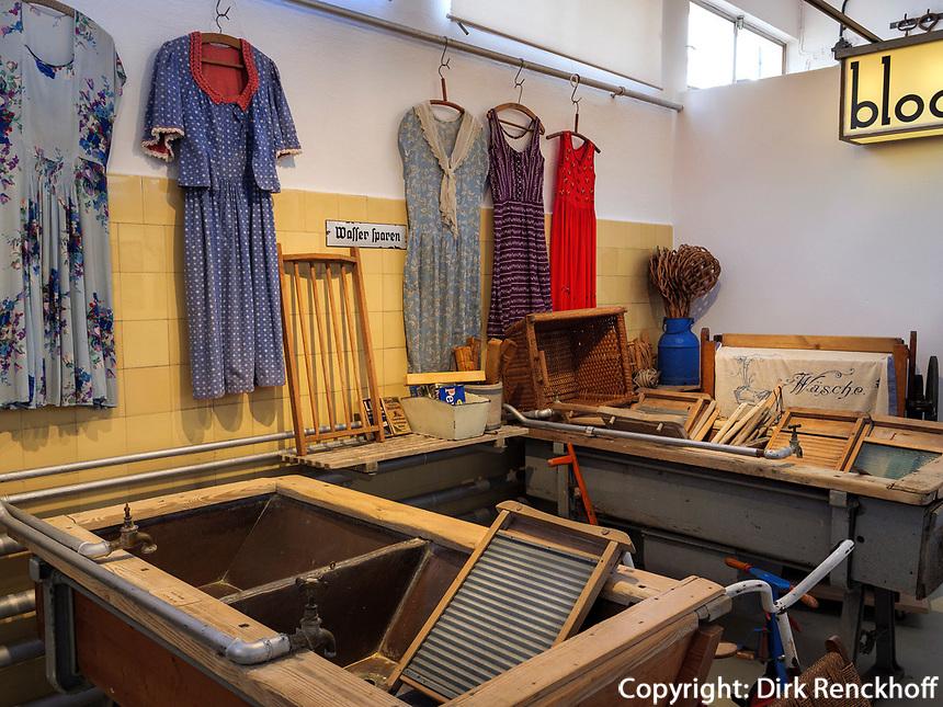 Wasch- und Badehaus, Bauhaus Museum = Otto Haesler Museum in Celle, Niedersachsen, Deutschland, Europa<br /> Laundry- and bathing house  in Bauhaus Museum = Otto Haesler Museum in Celle, Lower Saxony, Germany, Europe