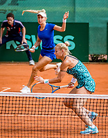 The Hague, Netherlands, 09 June, 2018, Tennis, Play-Offs Competition, Womans doubles: Tereza Mrdeza  and Sarah Gronert (background)<br />