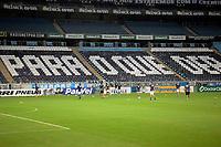 PORTO ALEGRE, (RS), 19.03.2021 - GREMIO - AIMORE – O estádio sem torcida, apenas profissionais da imprensa, jogadores e representantes da Federação Gaúcha, Clubes, durante a Bandeira Preta no Estado, na partida entre Grêmio e Aimoré, válida pela 5ªrodada do Campeonato Gaúcho 2021, no estádio Arena do Grêmio, em Porto Alegre, nesta sexta-feira (19).