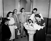 Naissances et baptemes catholiques<br /> ,dans les annees cinquantes,<br /> quebec,  (date inconnue)<br /> <br /> PHOTO : : Agence Quebec Presse