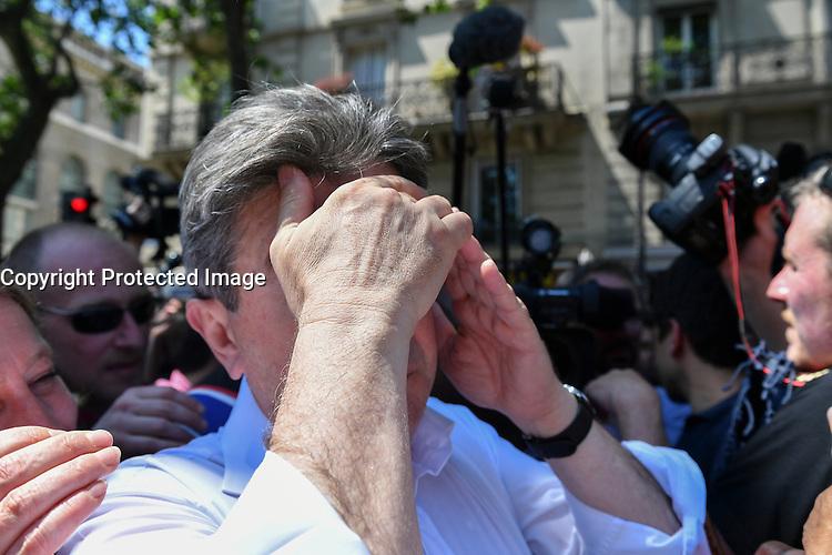 Paris (75) - Manifestations contre la loi Travail. Le cortège placé sous haute surveillance policière est composé de 60.000 manifestants, selon les syndicats, 20.000 selon la police. Départ place de la Bastille, pour un parcours restreint de 1,6 km autour du bassin de l'Arsenal. Jean-Luc Mélenchon