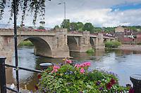 River Severn flowing through a bridge at Bridgnorth, Shropshire.