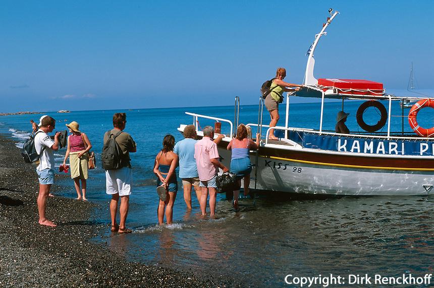 Fähre von Kamari nach Perissa  auf der Insel Santorin (Santorini), Griechenland, Europa