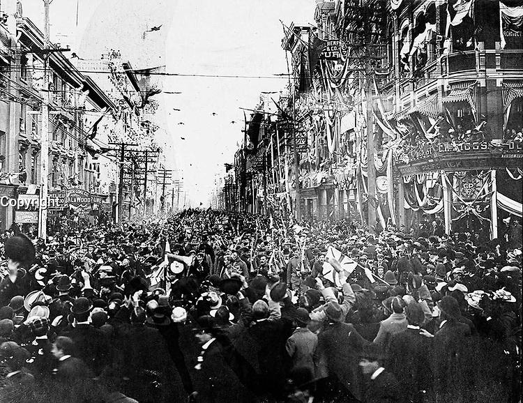 (Toronto, ON, Canada). - June 5, 1901 - Boer War, C Company return, King Street east from Yonge Street.