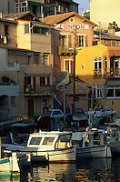 Europe/France/Provence-Alpes-Côte d'Azur/13/Bouches-du-Rhône/Marseille : Le Vallon des Auffes - Le port