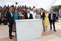 MADS MIKKELSEN VALERIA GOLINO KATAYOON SHAHABI GEORGE MILLER DONALD SUTHERLAND VANESSA PARADIS LASZLO NEMES KIRSTEN DUNST ARNAUD DESPLECHIN PHOTOCALL DU JURY DU 69 EME FESTIVAL DE CANNES 2016, LE 11 MAI 2016.
