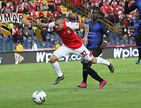 BOGOTÁ- COLOMBIA, 01-09-2019:Tomás Maya jugador del Independiente Santa Fe    disputa el balón contra el Independiente Medellín durante partido por la fecha 9 de la Liga Águila II  2019 jugado en el estadio Nemesio Camacho El Campín  de la ciudad de Bogotá. /Tomas Maya player of Independiente Santa Fe  fights for the ball  against of  Independiente Medellin  during the match for the date 9 of the Liga Aguila II 2019 played at the Nemesio Camacho El Campin  stadium in Bogota city. Photo: VizzorImage / Felipe Caicedo / Staff