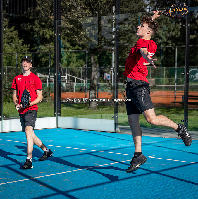 Netherlands, September 5,  2020, Amsterdam, Padel Dam, NK Padel, National Junior Padel Championships, Noah Cecci (R) (NED) and Quintin Vos (NED)<br /> Photo: Henk Koster/tennisimages.com