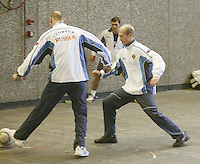 8-2-06, Netherlands, tennis, Amsterdam, Daviscup.Netherlands Russia, the Russian team playing soccer, here is Davidenko in action(r)