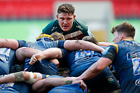 6th February 2021; Mattoli Woods Welford Road Stadium, Leicester, Midlands, England; Premiership Rugby, Leicester Tigers versus Worcester Warriors; Jasper Wiese of Leicester Tigers peeks over the top of a scrum