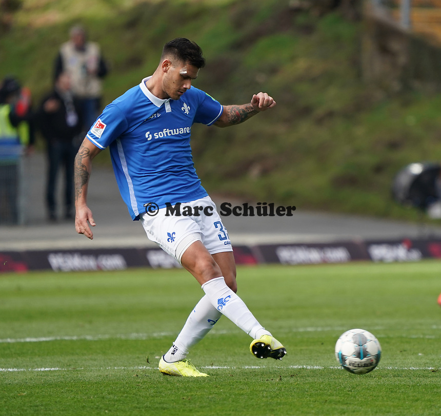 Dario Dumic (SV Darmstadt 98) - 07.03.2020: SV Darmstadt 98 vs. VfL Bochum, Stadion am Boellenfalltor, 2. Bundesliga<br /> <br /> DISCLAIMER: <br /> DFL regulations prohibit any use of photographs as image sequences and/or quasi-video.