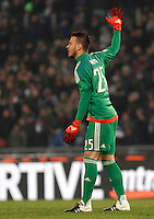 Calcio, quarti di finale di Coppa Italia: Lazio vs Juventus. Roma, stadio Olimpico, 20 gennaio 2016.<br /> Juventus' goalkeeper Neto gestures during the Italian Cup quarter final football match between Lazio and Juventus at Rome's Olympic stadium, 20 January 2016.<br /> UPDATE IMAGES PRESS/Isabella Bonotto