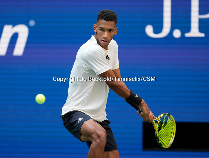 September  10, 2021:   Felix Auger-Aliassime (CAN) loses to Daniil Medvedev (RUS),6-4, 7-5, 6-2 at the US Open being played at Billy Jean King National Tennis Center in Flushing, Queens, New York, {USA} ©Jo Becktold/Tennisclix/CSM