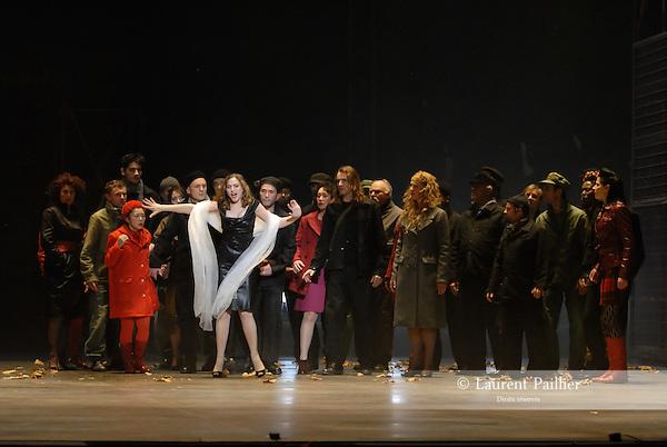 WELCOME TO THE VOICE - Steve Nieve..Théâtre du Chatelet - Paris..15 november 2008....Dionysos' friend - Joe Sumner..Lily, the singer - Sylvia Schwartz....Credit : Laurent PAILLIER / ArenaPAL