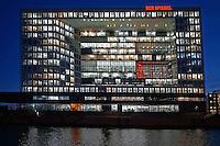 Spiegel Gebauede : DEUTSCHLAND, HAMBURG 16.12.2013 : Spiegel Verlagshaus auf der Ericis Spitze in der Hafencity