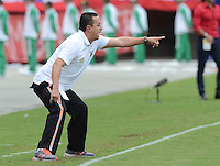 ENVIGADO -COLOMBIA-17-05-2015. Juan Carlos Sanchez técnico de Envigado FC gesticula durante el encuentro con Independiente Medellin por la fecha 20 de la Liga Águila I 2015 realizado en el Polideportivo Sur de la ciudad de Envigado./ Juan Carlos Sanchez coach of Envigado FC gestures during match against Independiente Medellin for the 20th date of the Aguila League I 2015 at Polideportivo Sur in Envigado city.  Photo: VizzorImage/León Monsalve/STR