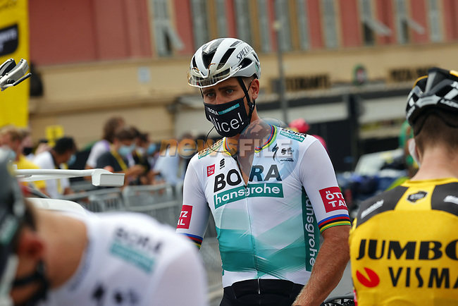 Peter Sagan (SVK) Bora-Hansgrohe arrives at sign on before the start of Stage 1 of Tour de France 2020, running 156km from Nice Moyen Pays to Nice, France. 29th August 2020.<br /> Picture: Bora-Hansgrohe/BettiniPhoto   Cyclefile<br /> All photos usage must carry mandatory copyright credit (© Cyclefile   Bora-Hansgrohe/BettiniPhoto)
