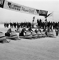 ARCHIVE -<br /> <br /> Le Carnaval de Quebec 1966 0u 1967 - course de skidoo<br /> <br /> PHOTO - Agence Quebec Presse -  Photo Moderne