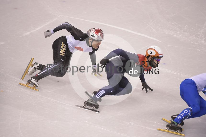 OLYMPIC GAMES: PYEONGCHANG: 17-02-2018, Gangneung Ice Arena, Short Track, 1000m Men, Ryosuke Sakazume (JPN), Sjinkie Knegt (NED), ©photo Martin de Jong