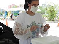 Recife (PE), 12/04/2021 - Nesta segunda-feira (12) pessoas a partir 62 anos e profissionais da saúde recebe vacina no drive-thru do Parque Macaxeira no Recife.
