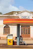 ANGOLA Gabela, fuel station of Sonagol, the national oil company / ANGOLA Gabela, Tankstelle von Sonangol, die nationale Oelgesellschaft