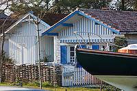 Europe/France/Aquitaine/Gironde/Bassin d'Arcachon/Cap Ferret: détail cabanon d'ostréiculteur du Village des Pécheurs, transformé en villa