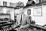 Pierre Balesi - Schuhe von George Cleverley <br /> <br /> Engl.: Europe, England, Great Britain, London, shoes handmade by George Cleverly, handicraft, tradition, shoemaker, employee Pierre Balesi, June 2013