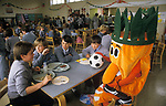 School Meals 1990s Uk. Mr Carrot man healthy eating campaign in York. Secondary school initiative to encourage healthy eating and education. 1995 UK