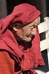 Myanmar, (Burma), Shan State, Nyaung Shwe: Portrait of elderly monk at Shwe Yan Pyay monastery | Myanmar (Birma), Shan Staat, Nyaung Shwe: Portrait eines aelteren Moenchs im Shwe Yan Pyay Kloster