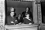 LUCHINO VISCONTI CON FRANCA VALERI, NORA RICCI ED ENRICO MEDIOLI - TEATRO ARGENTINA ROMA 1968