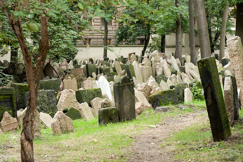 The Old Jewish Cemetery was in use from the early 15th century until 1787. It has been estimated that there are approximately 12,000 tombstones with up to 100,000 burials.  The oldest known gravestone belongs to Rabbi Avigdor Kara from 1439. ..