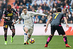 Mateo Kovacic of Real Madrid fights for the ball with Papakouli Diop of RCD Espanyol Real Madrid vs RCD Espanyol, a La Liga match at the Santiago Bernabeu Stadium on 18 February 2017 in Madrid, Spain. Photo by Diego Gonzalez Souto / Power Sport Images