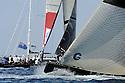 Louis Vuitton Trophy La Maddalena 2 giugno 2010. Durante la pre partenza le barche provano l'approccio alla linea del via. Il prodiere di Aleph da indicazioni al pozzetto mentre si avvicina l'inizio di una regata che li oppone ai franco tedeschi di Aleph.