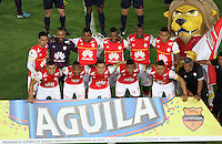 BOGOTA - COLOMBIA - 03-10-2015: Formacion  del Independiente Santa Fe  contra el Atletico Junior durante partido  por la fecha 15 de la Liga Aguila II 2015 jugado en el estadio Nemesio Camacho El Campin. / Team of Independiente Santa Fe    against of Atletico Junior   during a match for the fifteen date of the Liga Aguila II 2015 played at Nemesio Camacho El Campin stadium in Bogota city. Photo: VizzorImage / Felipe Caicedo / Staff.