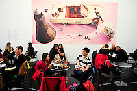 GREAT BRITAIN, London, Tate Modern Gallery, cafeteria / GROSSBRITANNIEN, London, Tate Modern Gallerie, Cafeteria